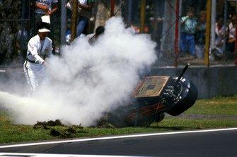 Crash: Phillipe Alliot, Lola LC88