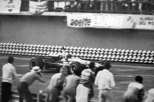 John Surtees, Cooper, al GP del Messico del 1966