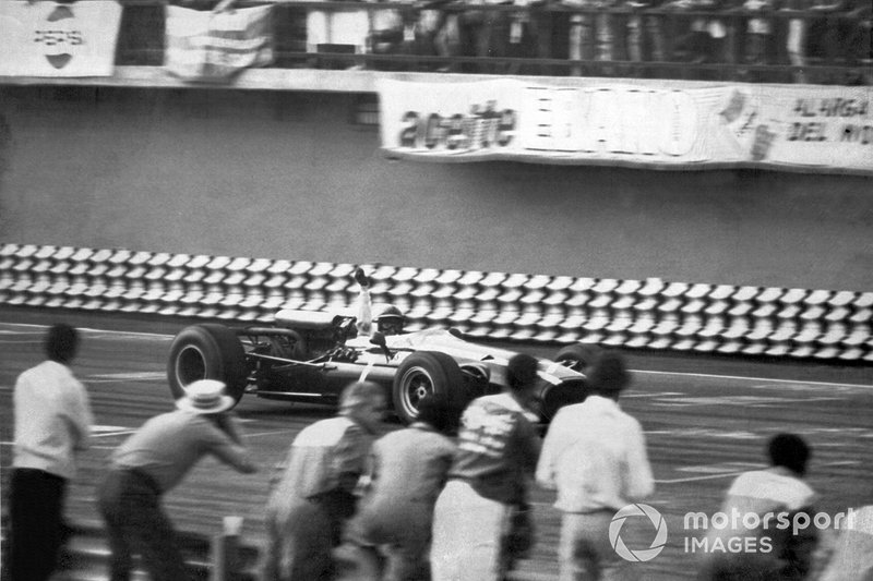 John Surtees, Cooper, al GP del Messico del 1966