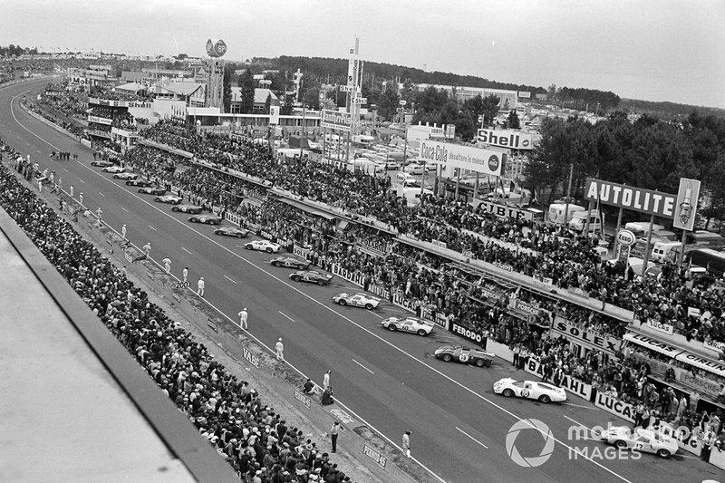 Salida de las 24 Horas de Le Mans 1966