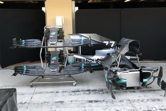 Mercedes AMG F1 W10, front wing and bodywork
