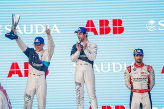 Maximilian Gunther, BMW I Andretti Motorsports, 2nd position, celebrates on the podium with race winner Alexander Sims, BMW I Andretti Motorsports, Lucas Di Grassi, Audi Sport ABT Schaeffler, 3rd position,