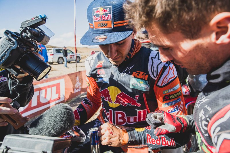 #16 Red Bull KTM Factory Racing: Luciano Benavides with a hand injury