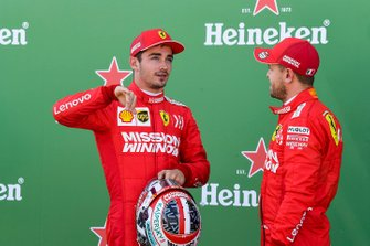 Prima fila: Charles Leclerc, Ferrari, e il poleman Sebastian Vettel, Ferrari, after Qualifying