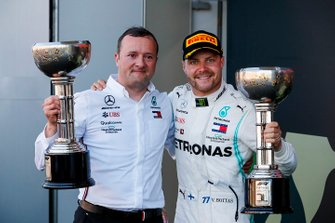 Race winner Valtteri Bottas, Mercedes AMG F1 celebrates on the podium with the trophy