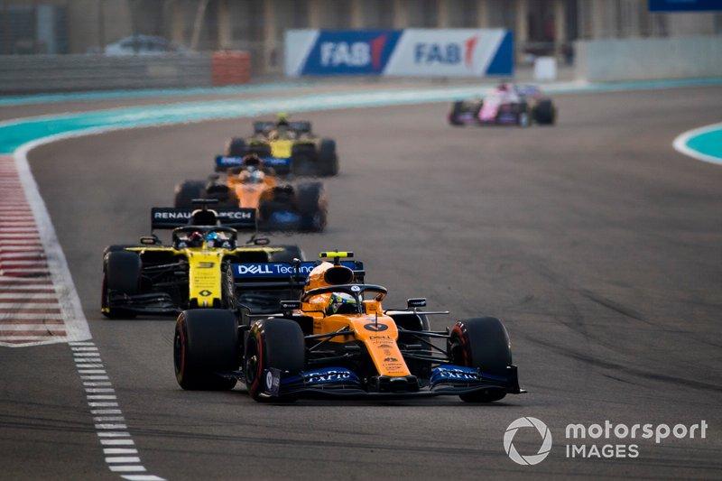 Lando Norris, McLaren MCL34, Daniel Ricciardo, Renault F1 Team R.S.19, Carlos Sainz Jr., McLaren MCL34, Nico Hulkenberg, Renault F1 Team R.S. 19
