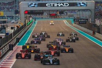 Start zum GP Abu Dhabi 2019: Lewis Hamilton, Mercedes F1 W10, führt