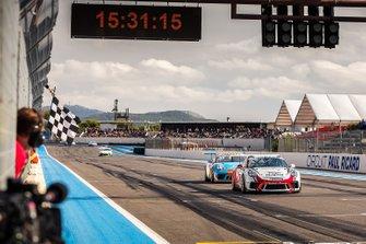 Yarış galibi ve 2019 şampiyonu Ayhancan Güven, Porsche 911 GT3, Pierre Martinet by Almeras