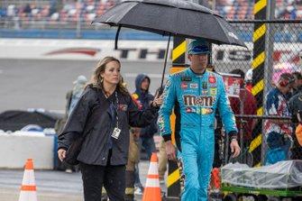 Kyle Busch, Joe Gibbs Racing, Toyota Camry M&M's Hazelnut retraso por lluvia