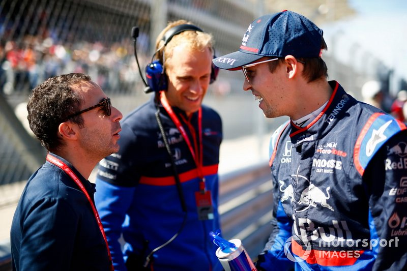 Nicolas Todt e Daniil Kvyat, Toro Rosso, in griglia di partenza