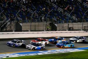 Kevin Harvick, Stewart-Haas Racing, Ford Mustang Busch Light #PIT4BUSCH and David Ragan, Rick Ware Racing, Ford Mustang Select Blinds