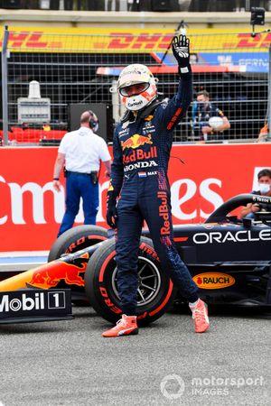 Pole man Max Verstappen, Red Bull Racing, nel Parc Ferme