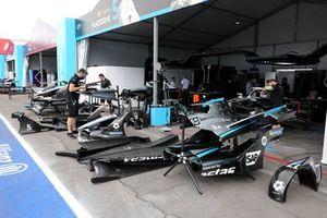 Garage, Stoffel Vandoorne, Mercedes-Benz EQ, Mercedes-Benz EQ Silver Arrow 02, Nyck de Vries, Mercedes-Benz EQ, Mercedes-Benz EQ Silver Arrow 02