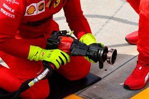 Ferrari wheel gun detail