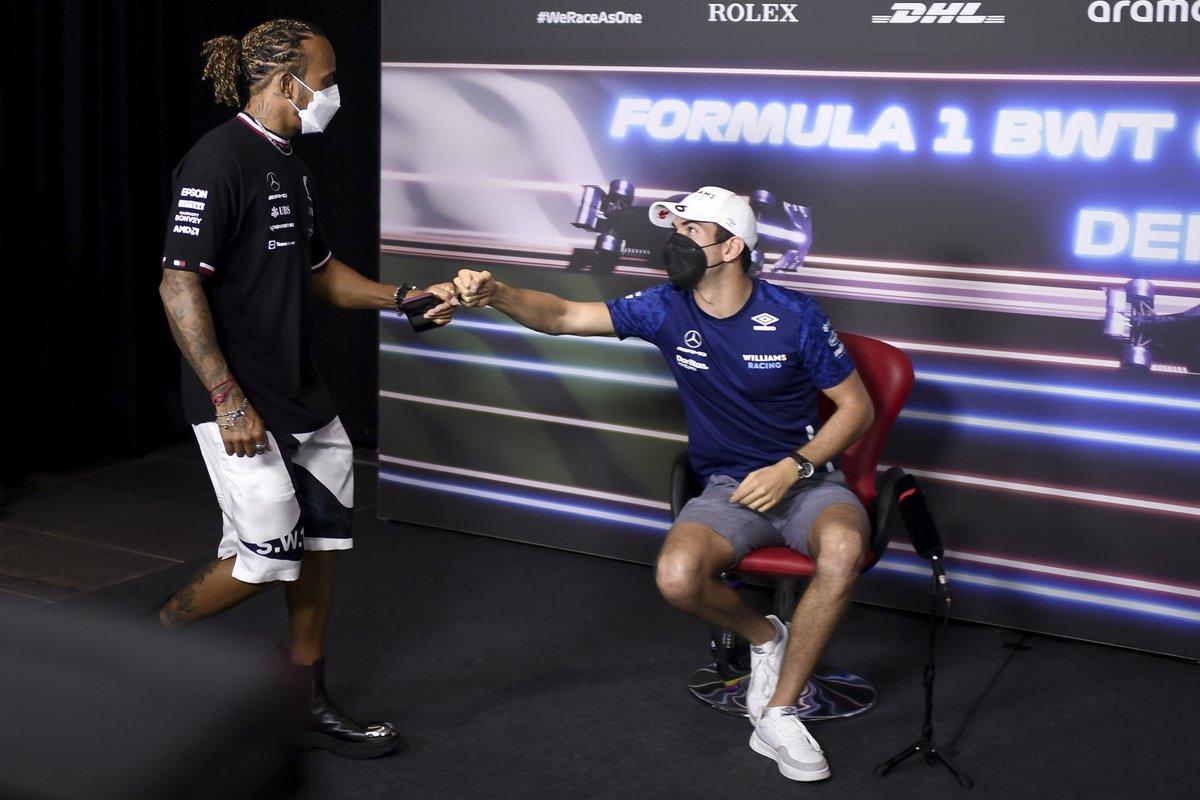 Lewis Hamilton, Mercedes, Nicholas Latifi, Williams en la conferencia de prensa
