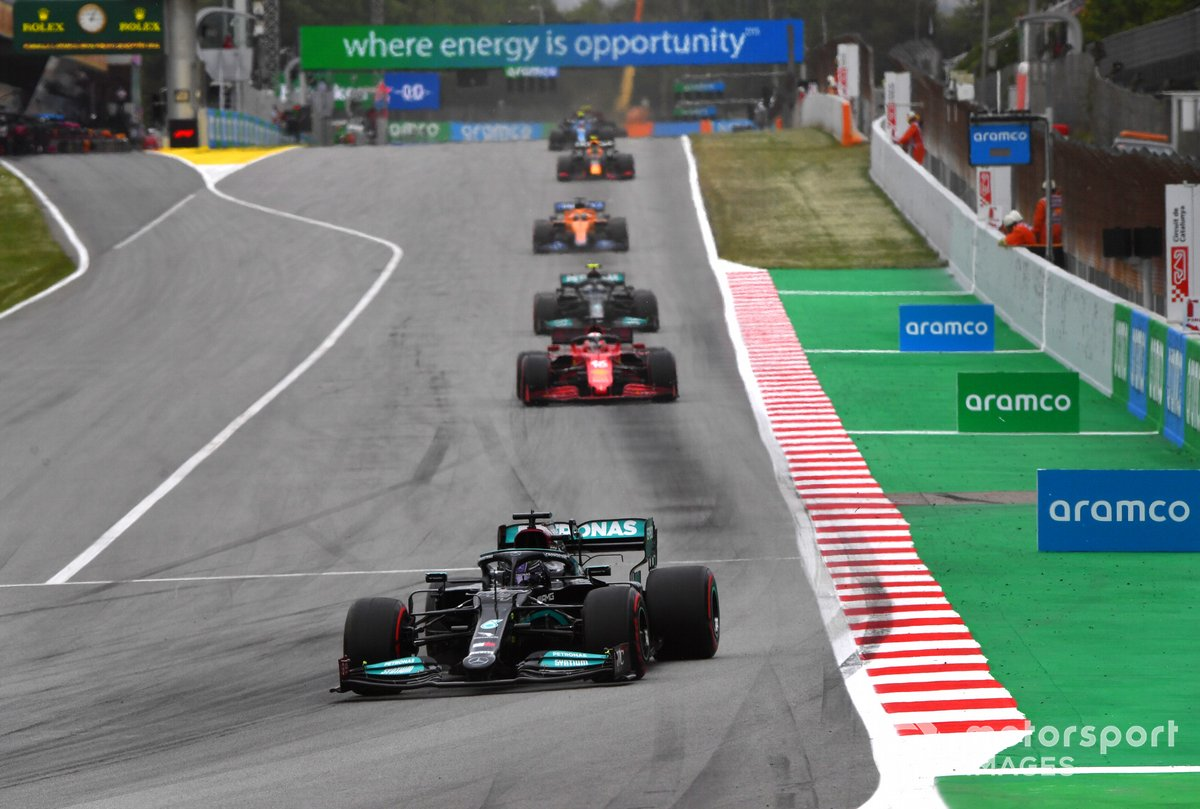 Lewis Hamilton, Mercedes W12, Charles Leclerc, Ferrari SF21, Valtteri Bottas, Mercedes W12