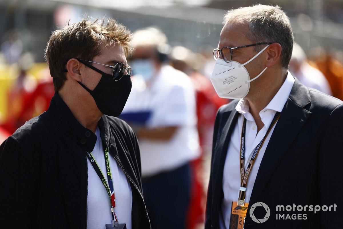 Tom Cruise con Stefano Domenicali, director general de la Fórmula 1