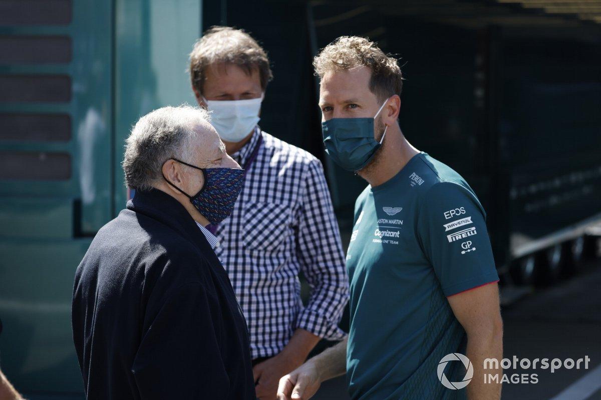 El presidente de la FIA Jean Todt, y Sebastian Vettel, Aston Martin