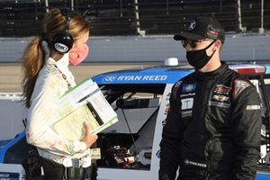 #24: Ryan Reed, GMS Racing, Chevrolet Silverado Tandem Diabetes Care and Jamie Little