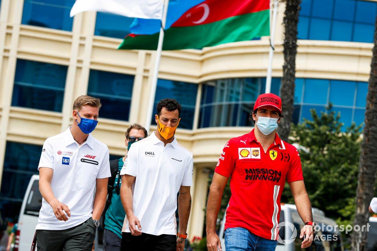 Mick Schumacher, Haas F1, Daniel Ricciardo, McLaren y Carlos Sainz Jr., Ferrari