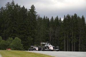 Frederik Vesti, Art Grand Prix, leads Alexander Smolyar, Art Grand Prix