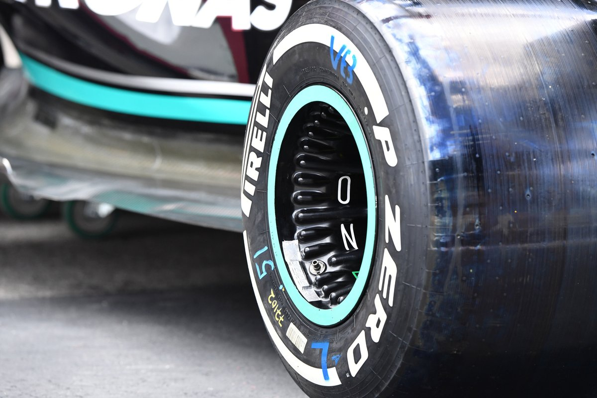 Mercedes W12 rear wheel detail
