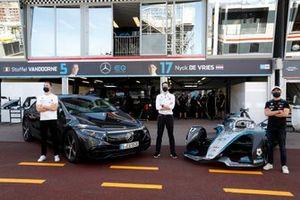 Stoffel Vandoorne, Mercedes-Benz EQ, Ian James team principal, Nyck de Vries, Mercedes-Benz EQ