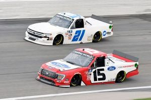 Tanner Gray, Team DGR, Ford F-150 Ford Performance y Zane Smith, GMS Racing, Chevrolet Silverado