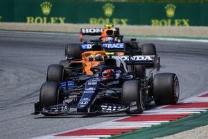 Charles Leclerc, Ferrari SF21,Daniel Ricciardo, McLaren MCL35M,Sergio Perez, Red Bull Racing RB16B