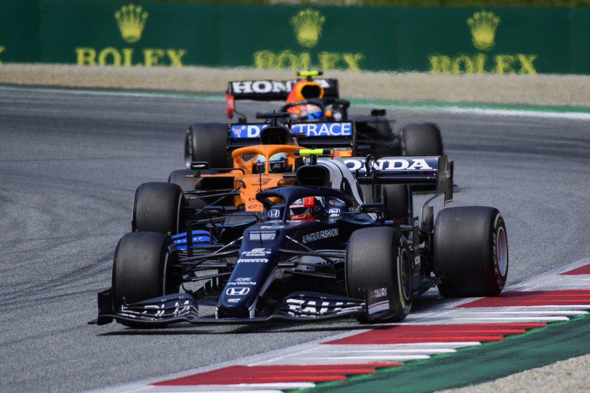 Charles Leclerc, Ferrari SF21, Daniel Ricciardo, McLaren MCL35M, Sergio Pérez, Red Bull Racing RB16B