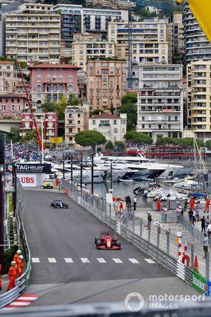 Charles Leclerc, Ferrari SF21, Esteban Ocon, Alpine A521
