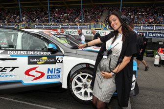 Wife of Dusan Borkovic, Target Competition Hyundai i30 N TCR