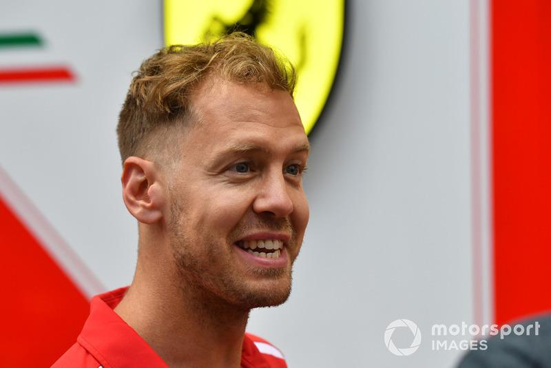 """Sebastian Vettel: """"Acho que no geral não fomos rápidos o suficiente, não tínhamos ritmo na corrida, creio que tentamos ser agressivos no começo e obviamente não deu certo"""""""