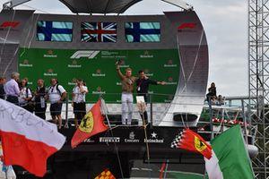 Nico Rosberg, Mercedes-Benz Ambassador on the podium with Will Buxton, FOM TV Presenter