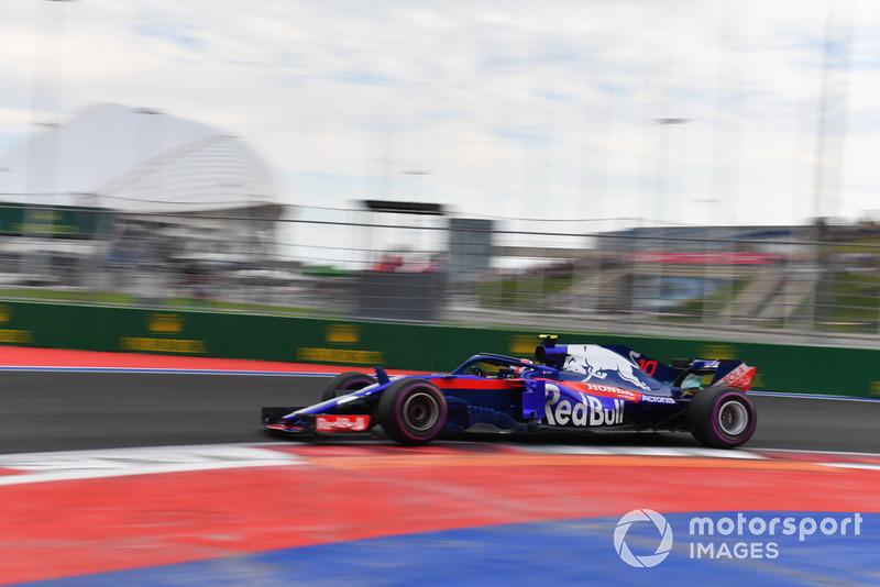 17: Pierre Gasly, Scuderia Toro Rosso STR13, sin tiempo en Q2