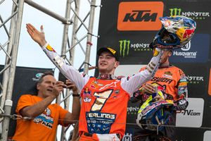 Jeffrey Herlings, Red Bull KTM Factory Racing e Tony Cairoli, Red Bull KTM Factory Racing, festeggiano sul podio