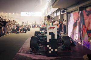Yarış gaş,b, Lewis Hamilton, Mercedes-AMG F1 W09, parc ferme
