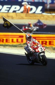 Ganador de carrera Alex Barros, Suzuki