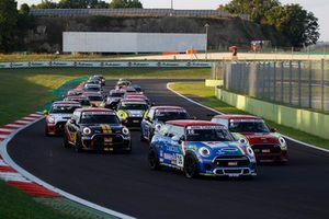 Gustavo Sandrucci, Cascioli by Melatini Racing, MINI John Cooper Works Challenge Pro, al comando