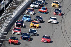 Jamie McMurray, Chip Ganassi Racing, Chevrolet Camaro McDonald's/Cessna, Kurt Busch, Stewart-Haas Racing, Ford Fusion Haas Automation