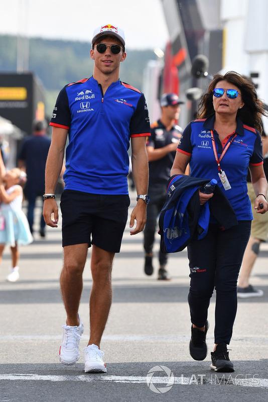 Pierre Gasly, Scuderia Toro Rosso Toro Rosso and Fabiana Valenti, Scuderia Toro Rosso Head of Communications
