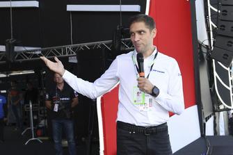 Vitaly Petrov sur scène