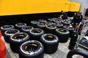 Renault Sport F1 Team Pirelli tyres