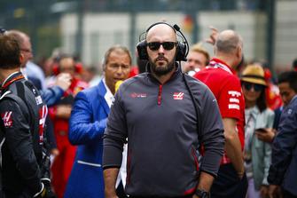 Haas F1 team member on the grid