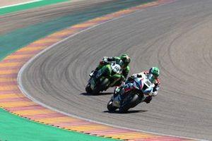 Eugene Laverty, BMW Motorrad WorldSBK Team, Xavi Fores, Kawasaki Puccetti Racing
