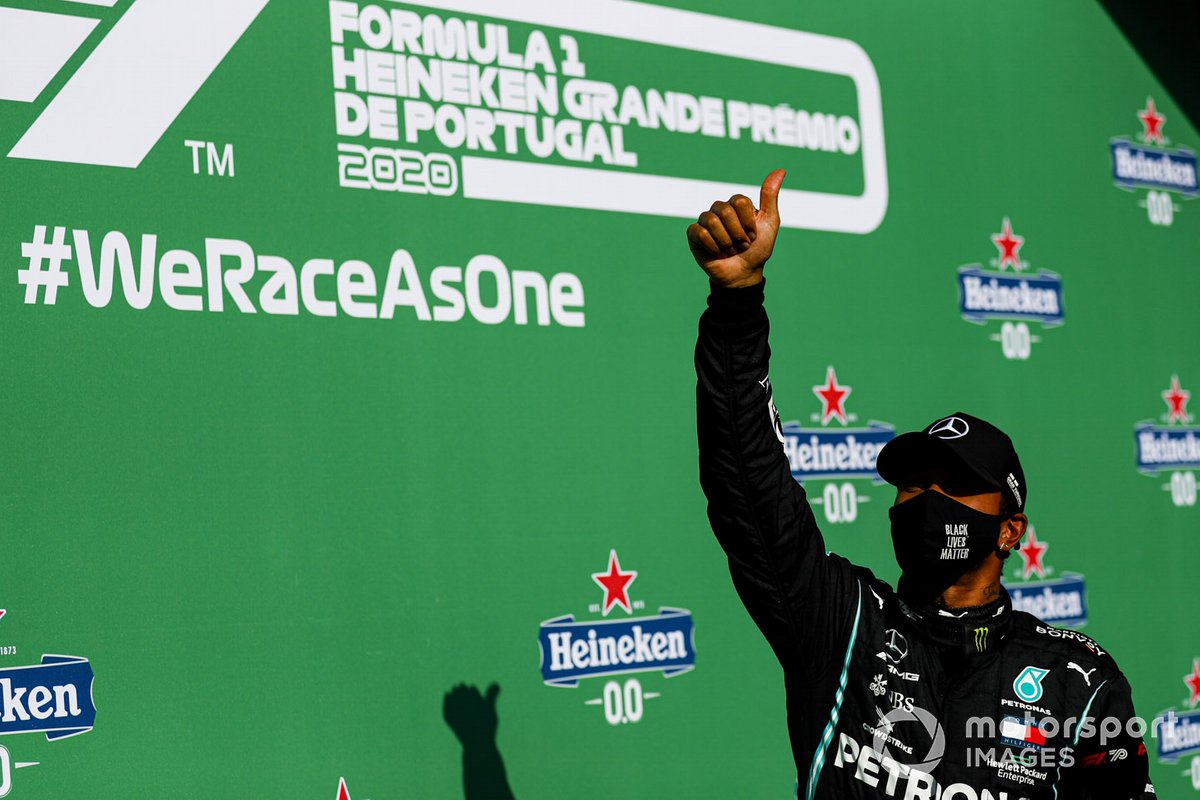 Pole man Lewis Hamilton, Mercedes-AMG F1, nel parco chiuso