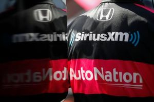 Jack Harvey, Meyer Shank Racing Honda, crew member logo reflection