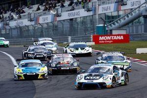 #18 Küs Team75 Bernhard Porsche 911 GT3 R: Jannes Fittje, David Jahn, Restart