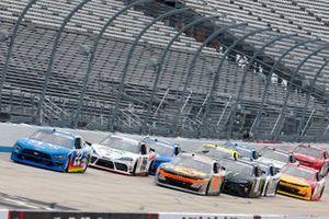 Austin Cindric, Team Penske, Ford Mustang PPG, Noah Gragson, JR Motorsports, Chevrolet Camaro Bass Pro Shops/TrueTimber Camo