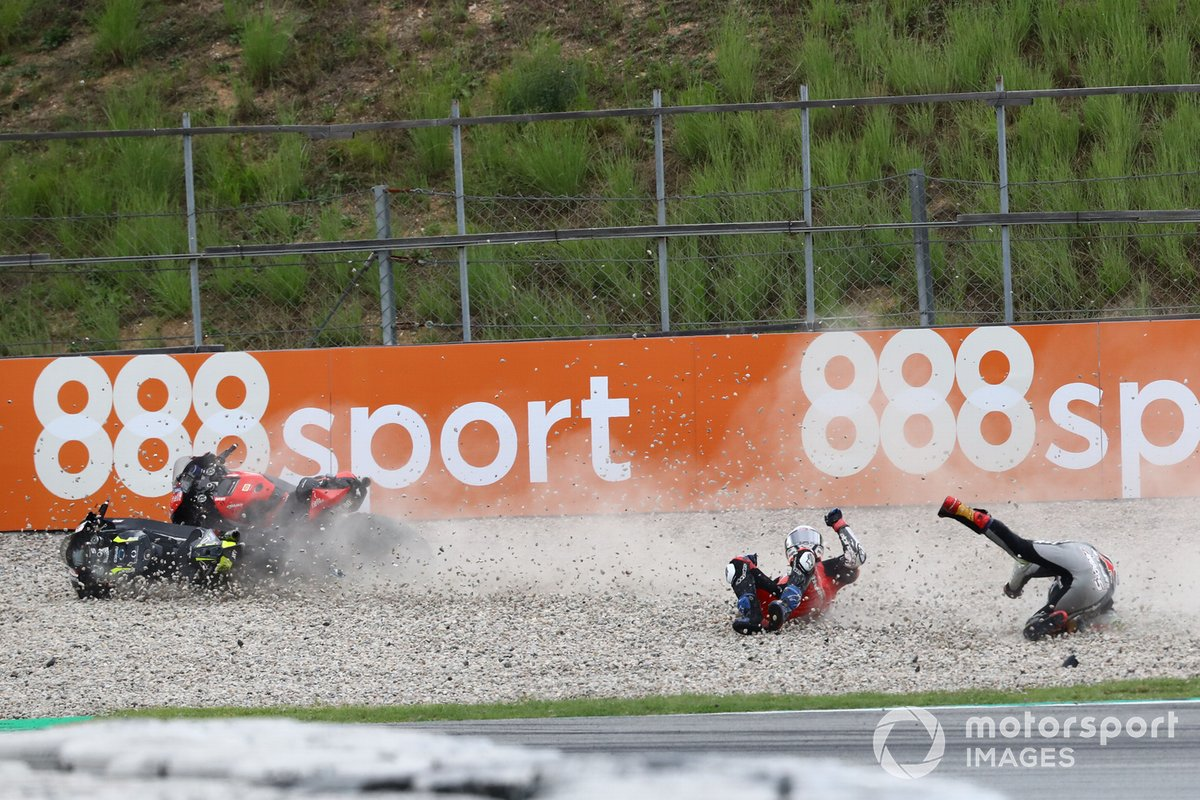 Andrea Dovizioso, Ducati Team, Johann Zarco, Avintia Racing caída